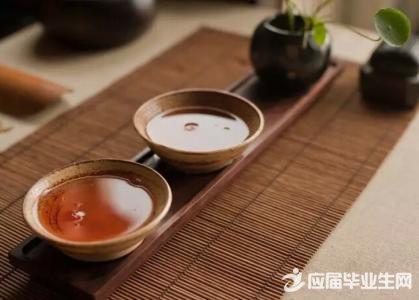 男性夏天应该喝什么茶_2017男性夏