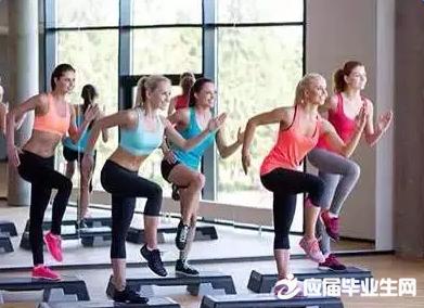 踏板操的基本步法